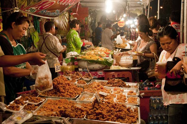 Street food outside the entrance to Wat Chedi Luang