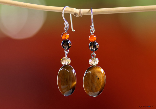 Tiger eye earrings, 'Golden Lights' © Ezistock Co., Ltd.