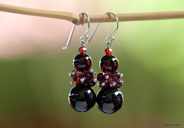 Garnet earrings, 'Scarlet Elegance' © Ezistock Co., Ltd.