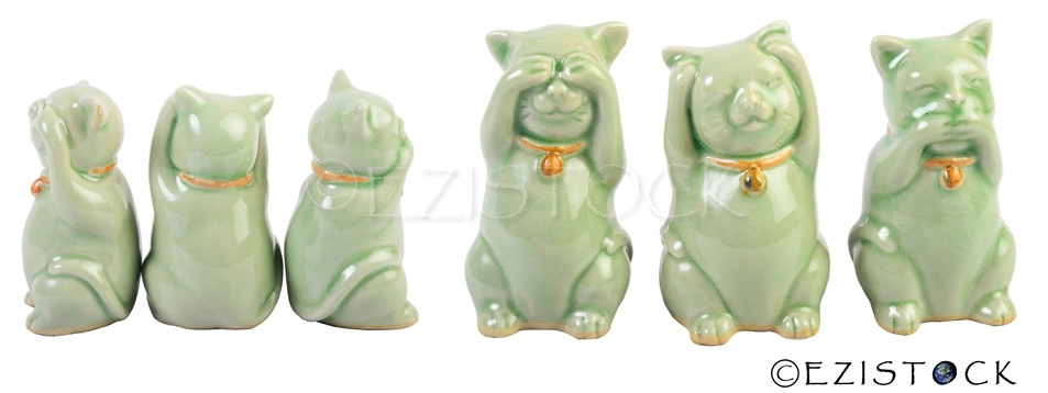 Celadon ceramic statuettes, 'Wise Cats' - Click Image to Close