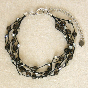 Glass bracelet, 'Dark Elegance'