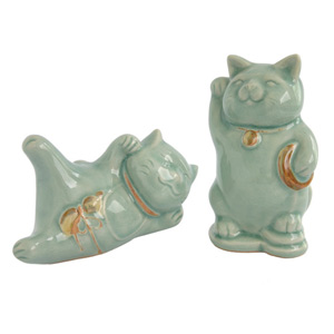 Celadon ceramic statuettes, 'Cheerful Cats'