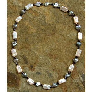 Garnet and pearl necklace, 'Atargatis Love'