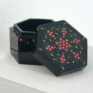 Lacquered box, 'Ruby Gardens'