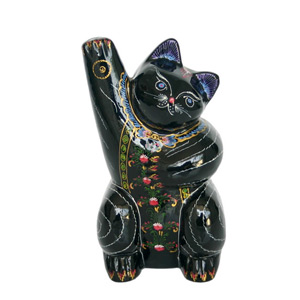 Lacquered statuette, 'Waving Cat'