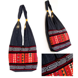 Cotton shoulder bag, 'Red Akha'