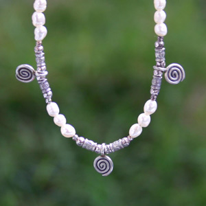 Silver and pearls necklace, 'Meditation'