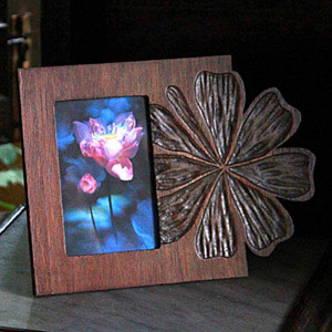Mango wood photo frame, 'Romance'