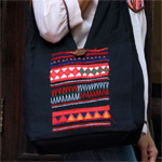 Cotton shoulder bag, 'Tribal Beauty'