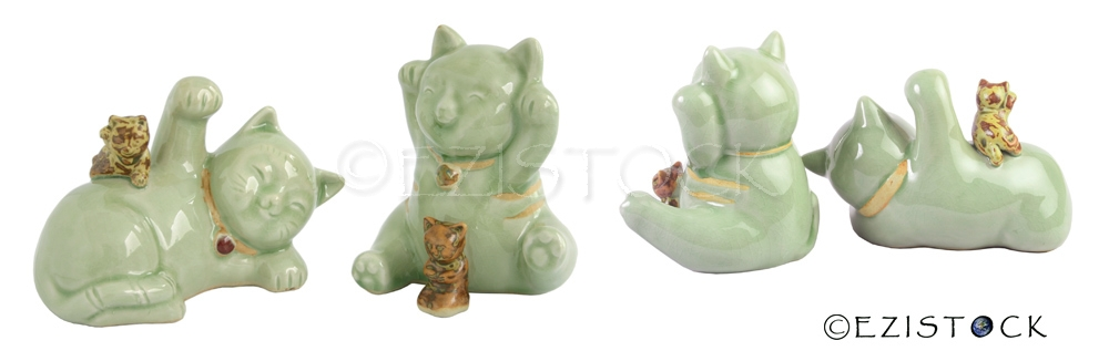 Celadon ceramic statuettes, 'Cat Family' - Click Image to Close