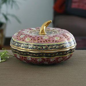 Benjarong porcelain box, 'Ruby Fruit'