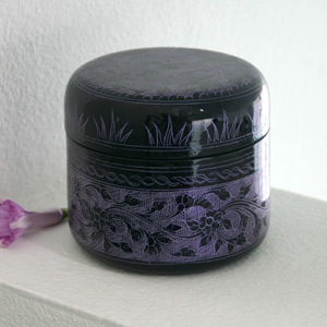 Lacquered box, 'Purple Foliage'